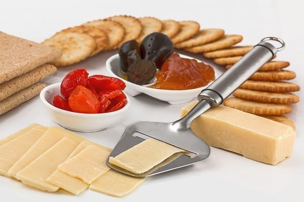チーズスライサー