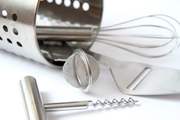 チーズスライサーとキッチン道具