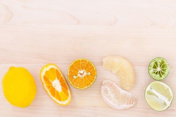 レモンやグレープフルーツなど黄色いフルーツ