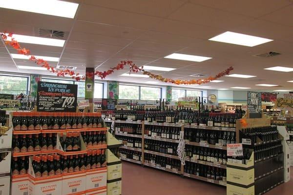 スーパーのワイン売り場