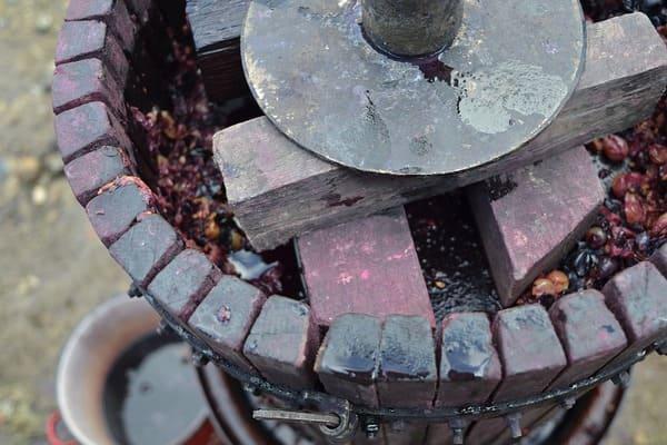 ワイン造りの機械