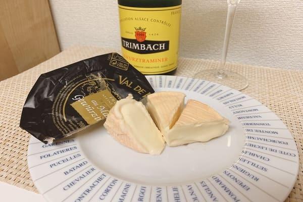ゲヴュルツトラミネールで洗ったウォッシュチーズ