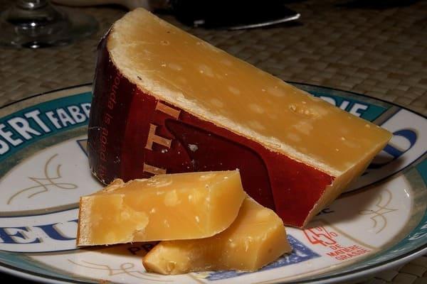 熟成したゴーダチーズ